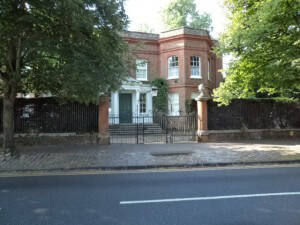 The front entrance of Remnantz, Henley Road, Marlow, home of the first military college.