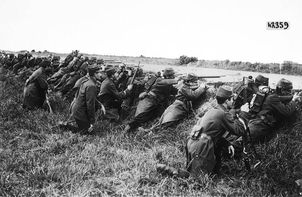 French infantry await an attack
