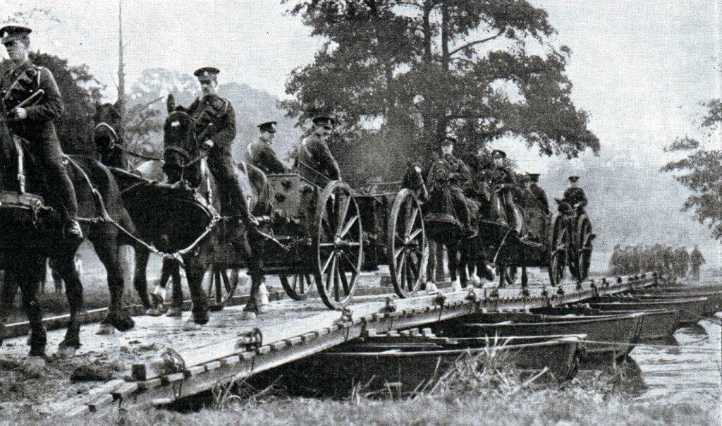 British troops crossing a pontoon bridge in 1914