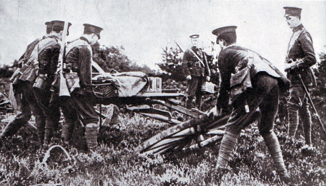 British infantry assembling a machine gun for action during the Battle of the Aisne