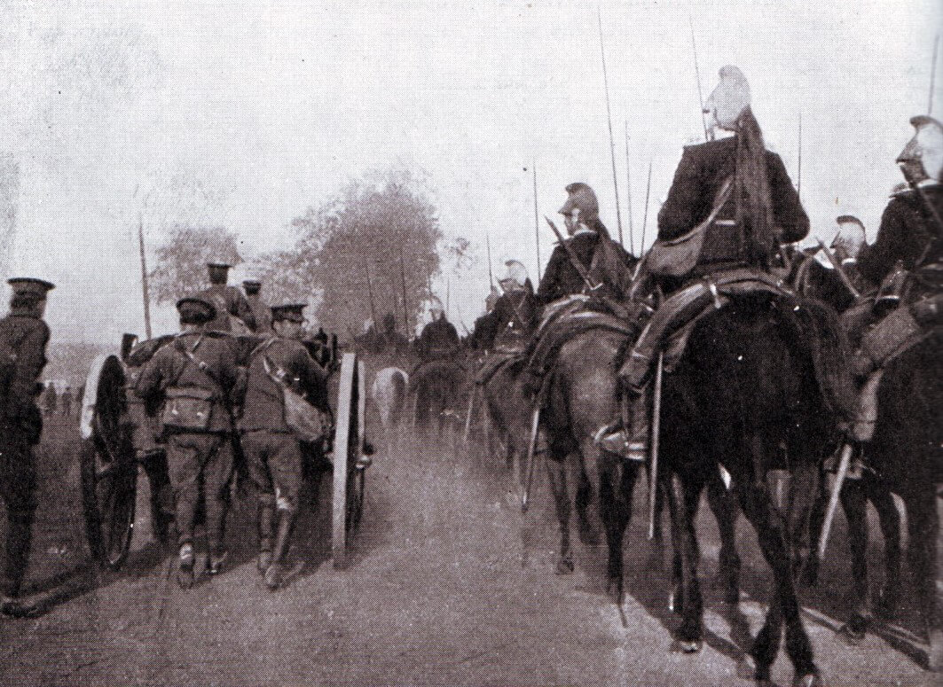 French dragoons passing a British field battery during the advance to the Aisne