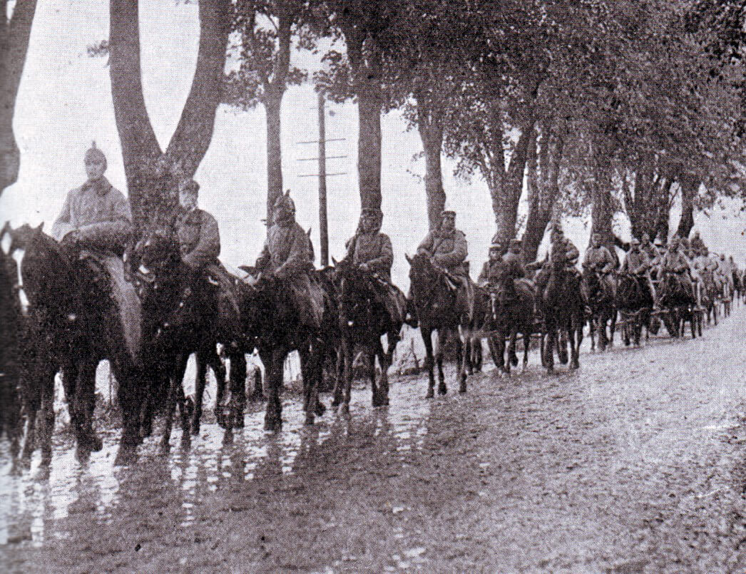 German cavalry advancing to the Aisne