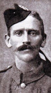 Private Ross Tollerton 1st Queen's Own Cameron Highlanders awarded the Victoria Cross for his conduct at the Battle of the Aisne