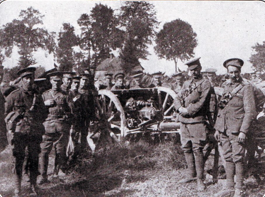 British RFA 18 pounder field gun and crew during the Battle of the Aisne