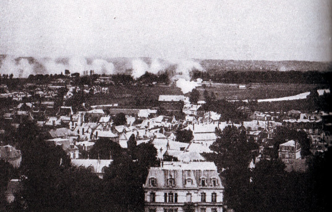 Soissons under German bombardment during the Battle of the Aisne