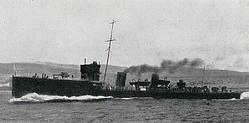 British destroyer HMS Lurcher, flagship of Commodore Keyes RN in the Heligoland Bight operation on 28th August 1914.