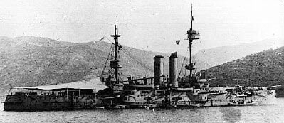 HMS Canopus in Port Stanley: Battle of the Falkland Islands on 8th December 1914 in the First World War