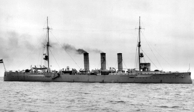 Admiral Graf von Spee's light cruiser SMS Dresden: Battle of Coronel on 1st November 1914 in the First World War