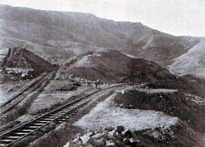 Glencoe in Natal: the railway branch to the left goes north to Newcastle, the line to the right to Dundee