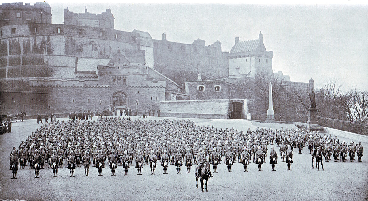 1st Gordon Highlanders parading outside Edinburgh Castle before leaving for South Africa in 1899. The Battalion fought at the Battle of Magersfontein on 11th December 1899