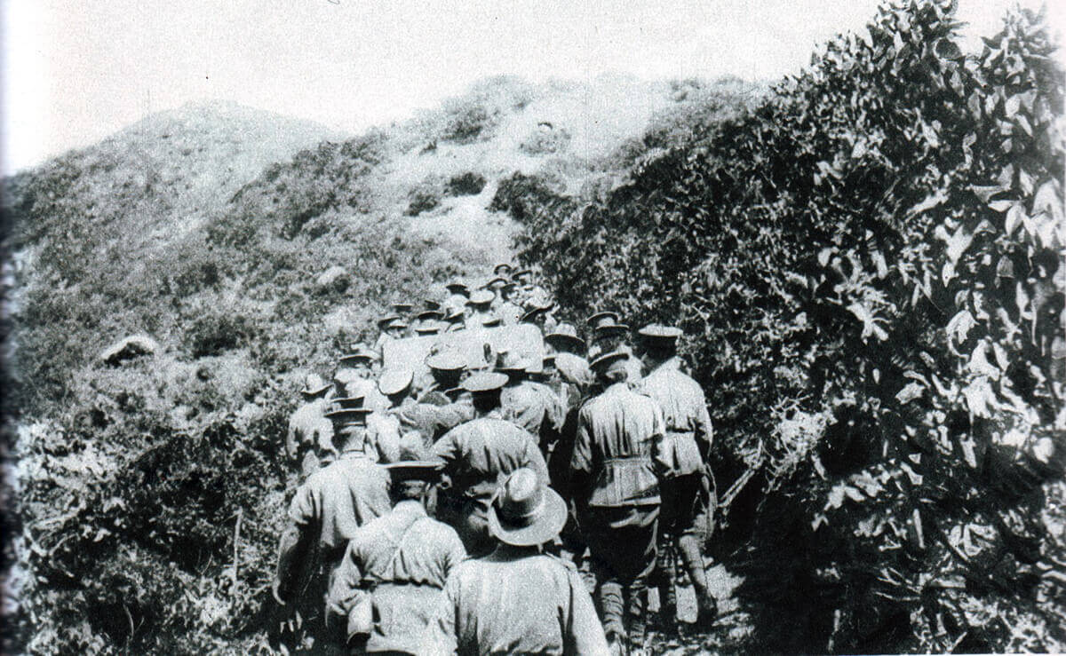 Australian troops hauling up the cliff the one 18 pounder field gun to be landed on 25th April 1915 at Anzac Cove on Gallipoli