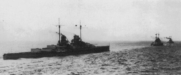 German battle cruisers SMS Derfflinger, Moltke and Seydlitz sailing to the Battle of Dogger Bank on 24th January 1915 in the First World War