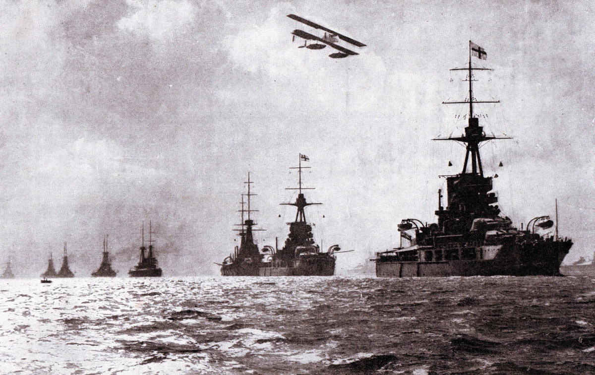 the battle of jutland First round of the great fight: 230 to 438 pm beatty and hipper with their battle cruisers at noon on the fateful 31st the grand fleet turned north and the.