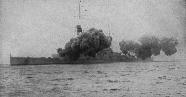 German Battle Cruiser SMS Derfflinger firing a full salvo. Derfflinger fought at the Battle of Jutland on 31st May 1916 in Admiral Hipper's 1st Scouting Group
