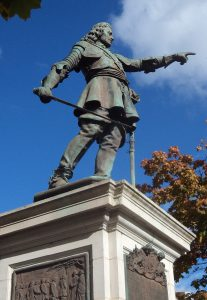 Statue in Aylesbury of John Hampden mortally wounded at the Battle of Chalgrove 18th June 1643 in the English Civil War