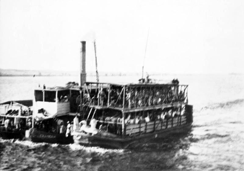 River Nile steamboat: Battle of Omdurman on on 2nd September 1898 in the Sudanese War
