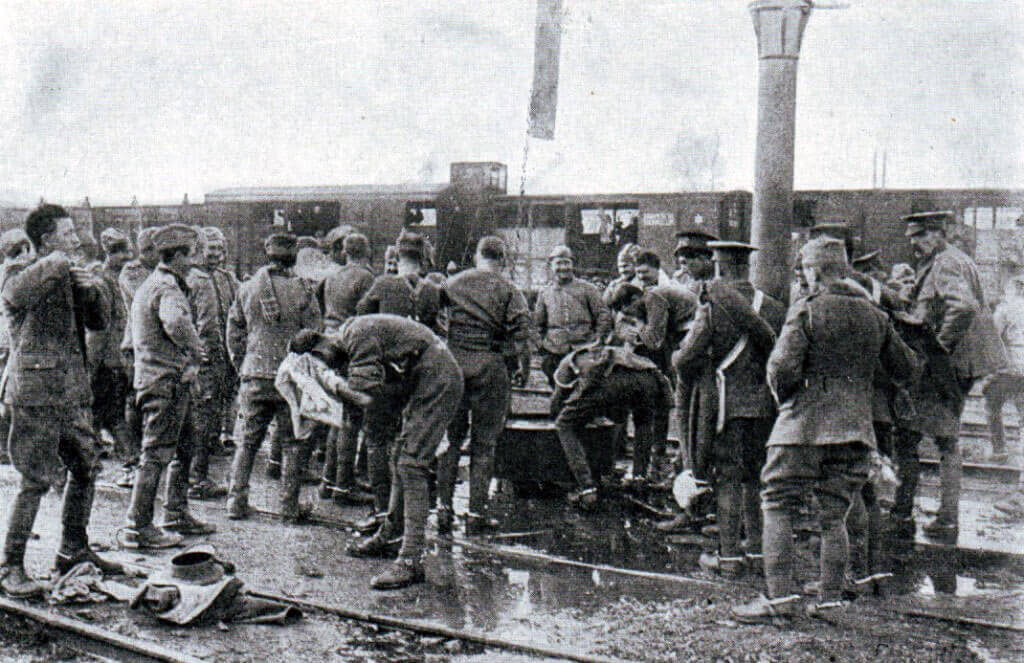 British troops washing in a French station: Battle of the Marne, fought from 6th to 9th September 1914, during the First World War