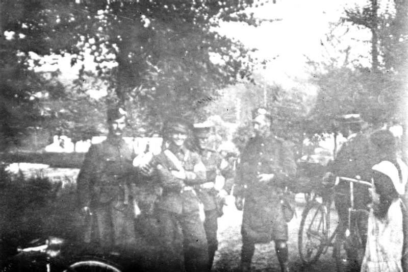 Soldiers of 1st Gordon Highlanders and 2nd Royal Irish Regiment at Mons on 22nd August 1914: Battle of Mons on 23rd August 1914 in the First World War