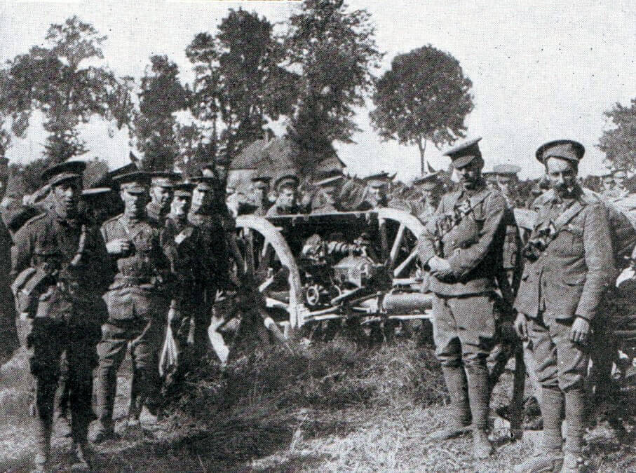 British RFA 18 pounder field gun and crew during the Battle of the Aisne, 10th to 13th September 1914 in the First World War