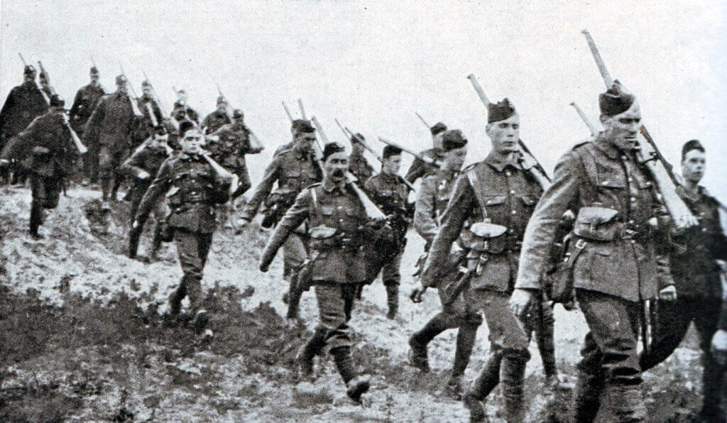 1st Cameronians of the British 19th Brigade advancing during theBattle of the Marne, fought from 6th to 9th September 1914, during the First World War