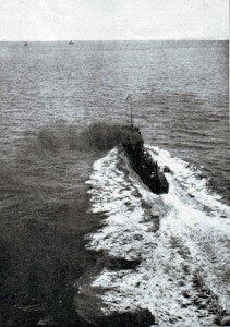 A British destroyer at sea photographed from an RNAS aircraft:Battle of Heligoland Bight on 28th August 1914 in the First World War