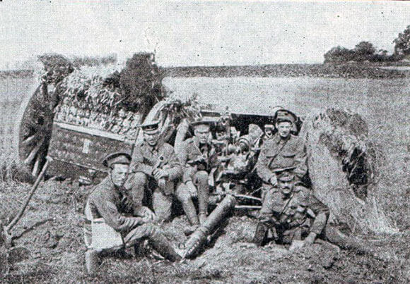 13 pounder gun of the Royal Horse Artillery with limber and crew, ready for action: Battle of Le Cateau on 26th August 1914 in the First World War