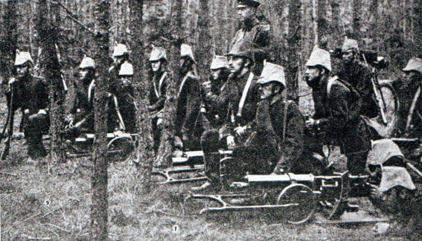 German Garde Jäger machine gunners: Battle of the Marne, fought from 6th to 9th September 1914, during the First World War
