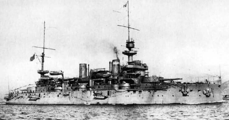 French Battleship Suffren: Suffren formed part of the first line in the attack on the Dardanelles Narrows on 18th March 1915 and was badly damaged by Turkish gunfire: Gallipoli campaign Part I: the Naval Bombardment, March 1915 in the First World War