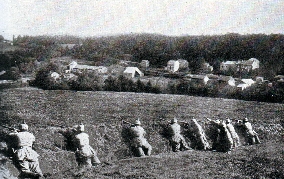 German infantry positioned in a ditch:Battle of the Aisne, 10th to 13th September 1914 in the First World War