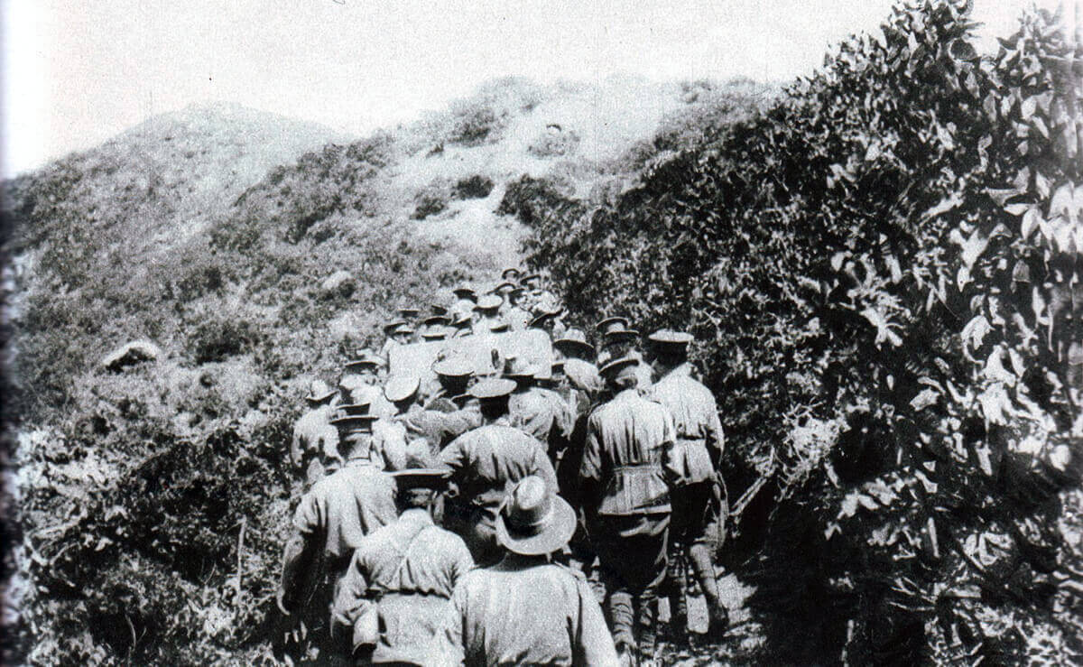 Australian troops hauling up the cliff the one 18 pounder field gun to be landed on 25th April 1915 at Anzac Cove on Gallipoli: Gallipoli Part III, ANZAC landing on 25th April 1915 in the First World War