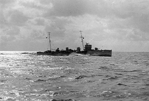 British destroyer HMS Firedrake, one of the two destroyers that acted as 'flotilla leaders' for the submarines of 8th 'Oversea' Submarine Flotilla, and took part in the Battle of Heligoland Bight on 28th August 1914 in the First World War