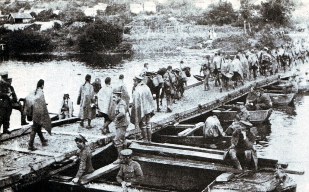 British troops crossing a pontoon bridge built by the Royal Engineers:Battle of the Aisne, 10th to 13th September 1914 in the First World War