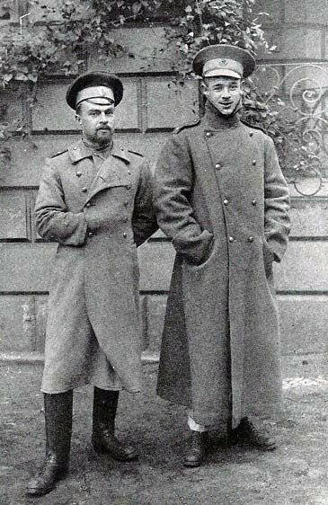 Captain Jocelyn Hardy, on the right, with the Russian officer, Wasilief, with whom he escaped from Augustabad in 1915: Battle of Le Grand Fayt on 26th August 1914 in the First World War