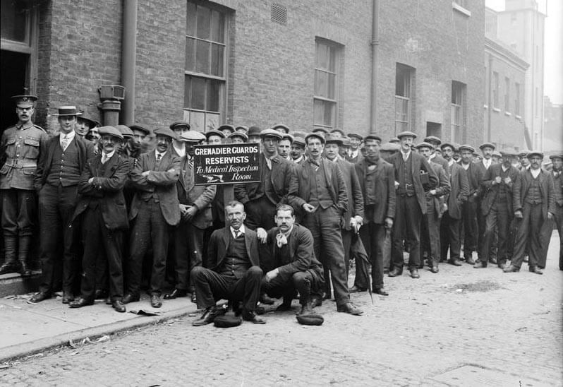 Grenadier Guards reservists waiting to be embodied at Wellington Barracks in August 1914: Battle of Landrecies on 25th August 1914 in the First World War