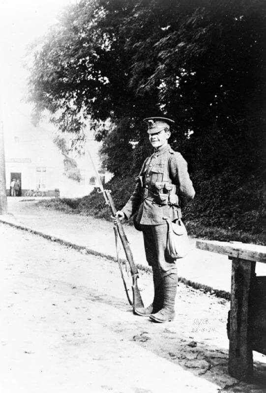 Private Carter, D Company, 4th Royal Fusiliers on sentry duty in Mons on 22nd August 1914: Battle of Mons on 23rd August 1914 in the First World War