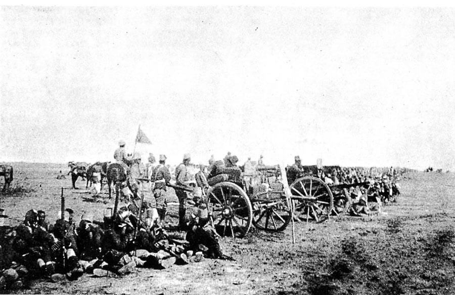 Maxim guns positioned between Maxwell's Egyptian and Sudanese brigade and a British battalion at the Battle of Omdurman on 2nd September 1898 in the Sudanese War