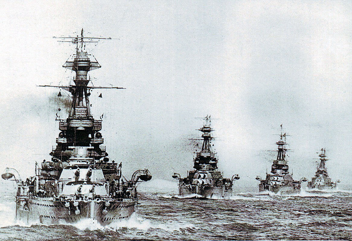 British 5th Battle Squadron at sea: 'Queen Elizabeth' Battleships HMS Barham Valiant Malaya and Warspite. The Squadron fought at the Battle of Jutland 31st May 1916 in Admiral Beatty's Battle Cruiser Fleet suffering significant damage to Warspite and Malaya