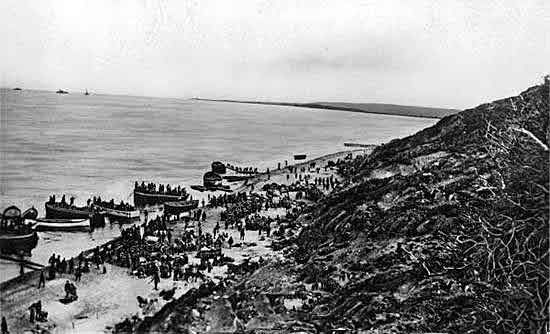 Australian 1st Division landing at Anzac Cove on 25th April 1915: Gallipoli Part III, ANZAC landing on 25th April 1915 in the First World War