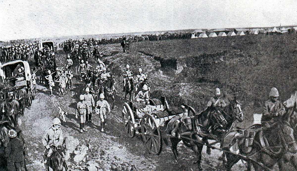 British troops on the march from Chieveley to the Battle of Spion Kop on 24th January 1900 in the Boer War