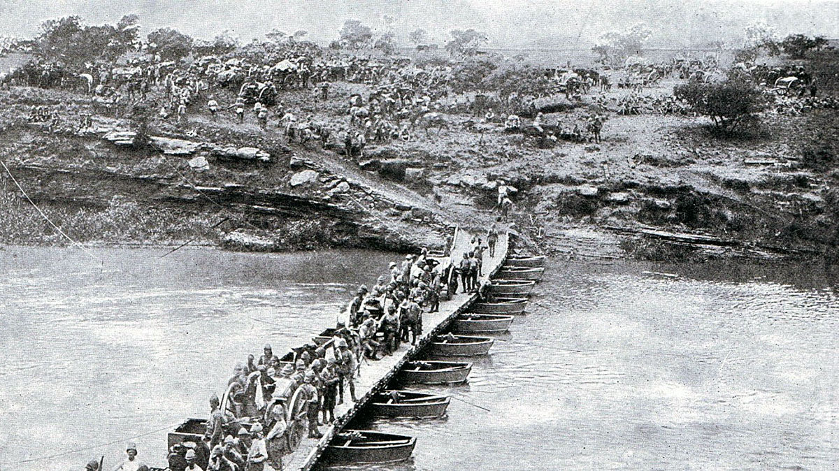 British Pontoon Bridge over the Tugela River: Battle of Spion Kop on 24th January 1900 in the Boer War