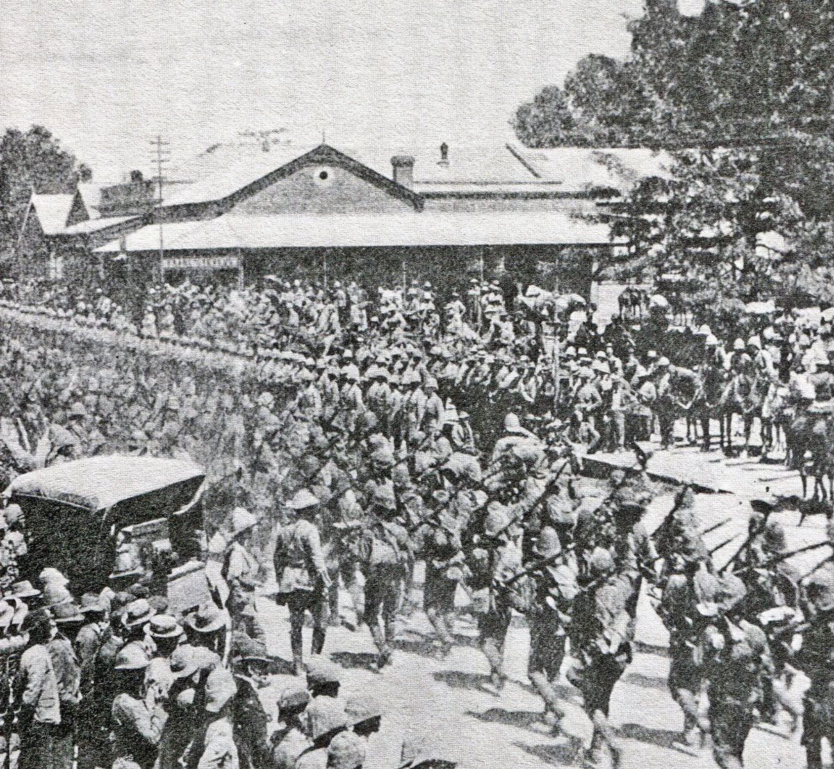 General Buller's Natal Field Force entering Ladysmith on 28th February 1900 after the Battle Pieters, fought from 14th to 28th February 1900 in the Great Boer War