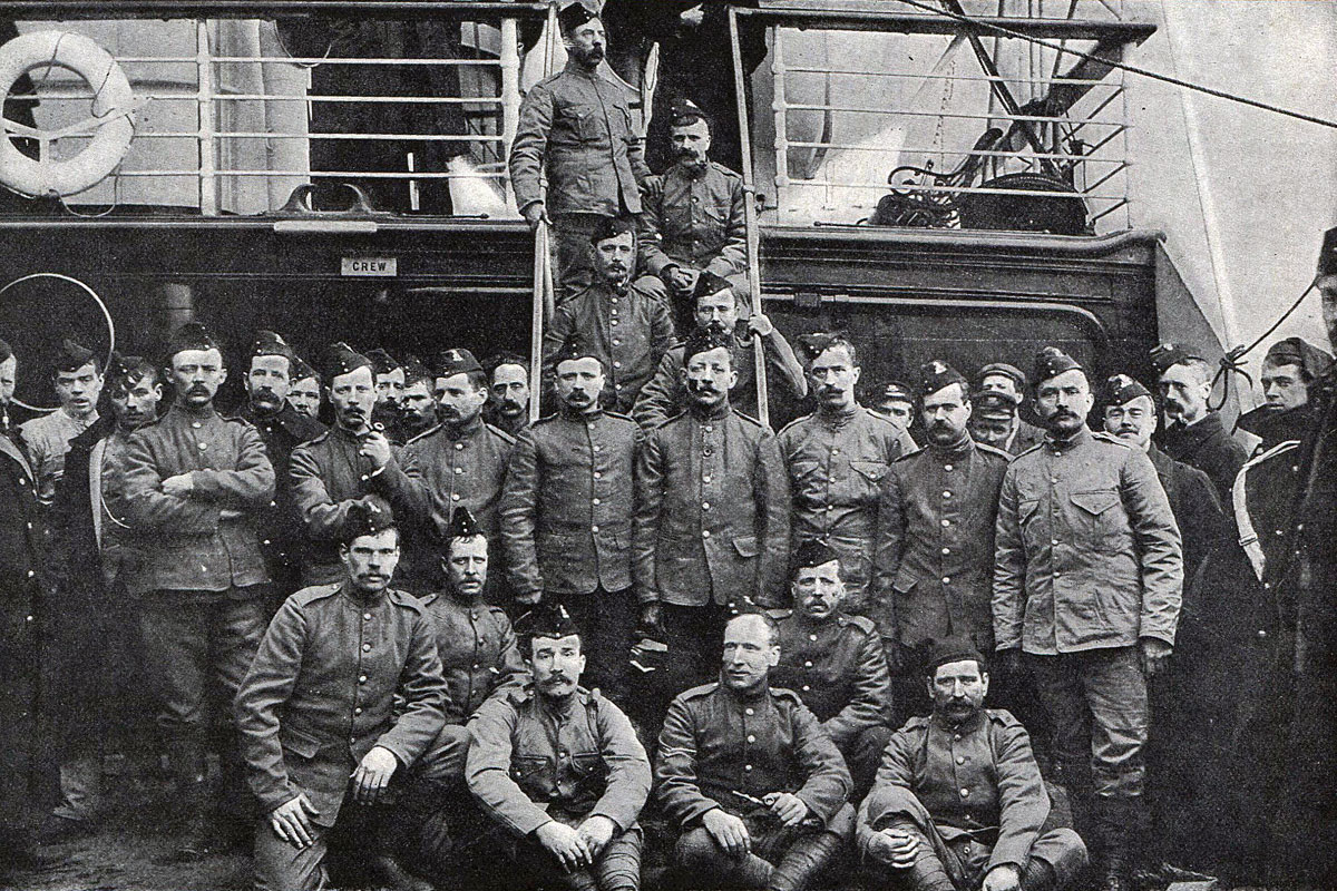 Soldiers of 2nd Lancashire Fusiliers on board ship to South Africa: Battle of Spion Kop on 24th January 1900 in the Great Boer War