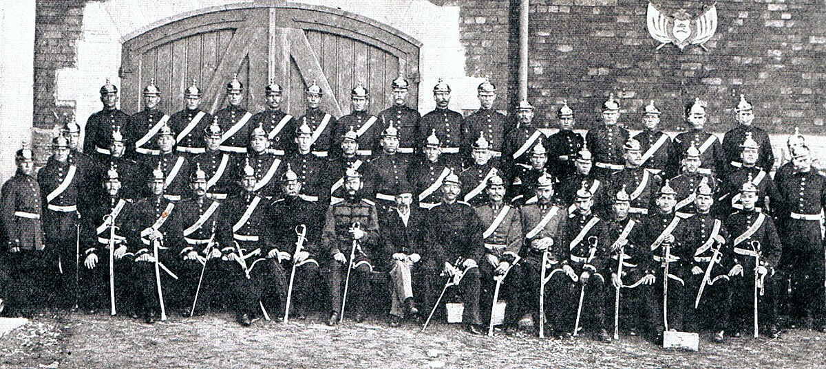 Orange Free State Artillery Corps commanded by the German ex-NCO Major Albrecht (sitting sixth from the left in light uniform). Albrecht commanded the Boer artillery at the Battle of Modder River on 28th November 1899 in the Boer War