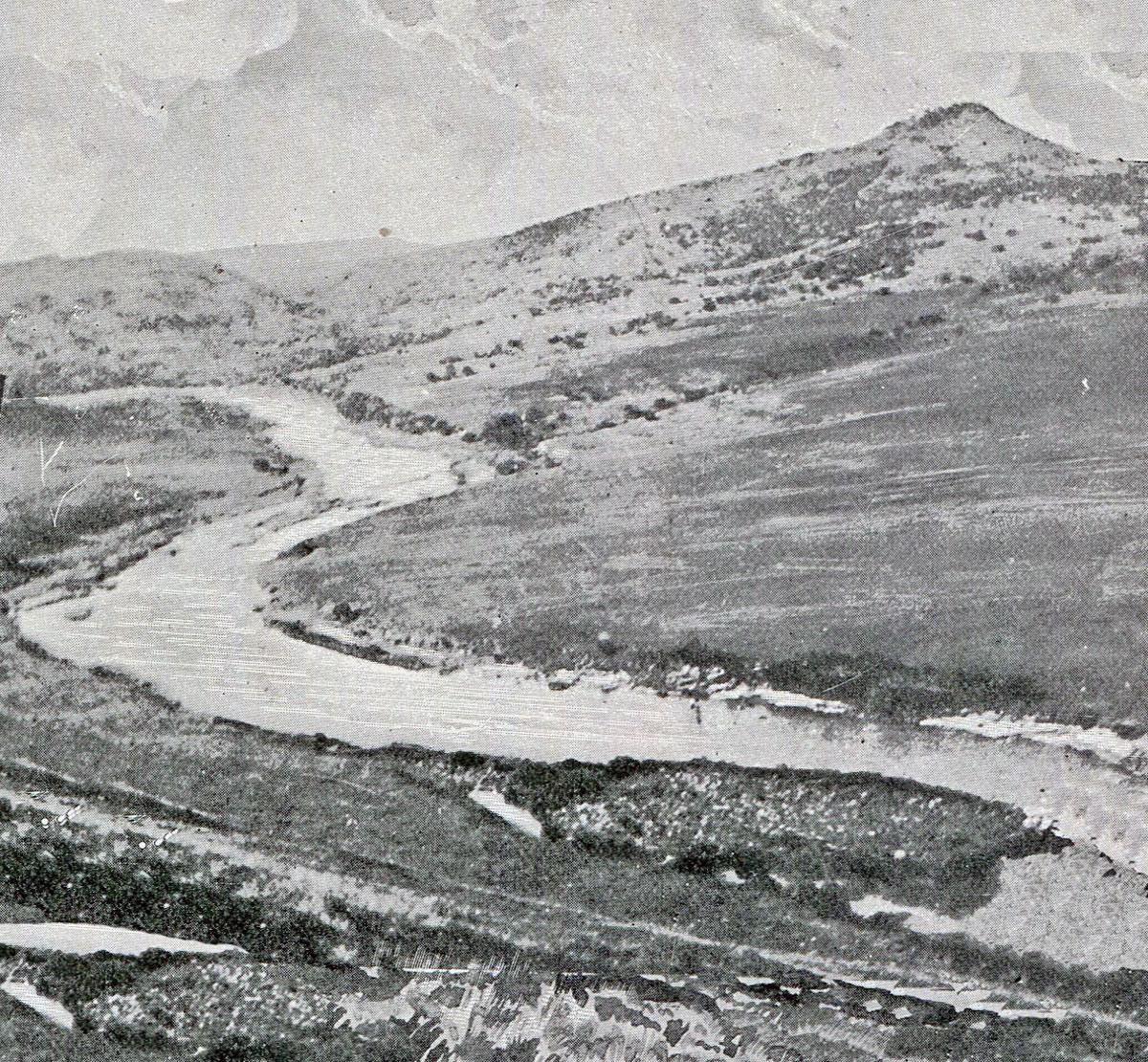 Val Krantz viewed across the Tugela River: Battle of Val Krantz on 5th February 1900 in the Great Boer War