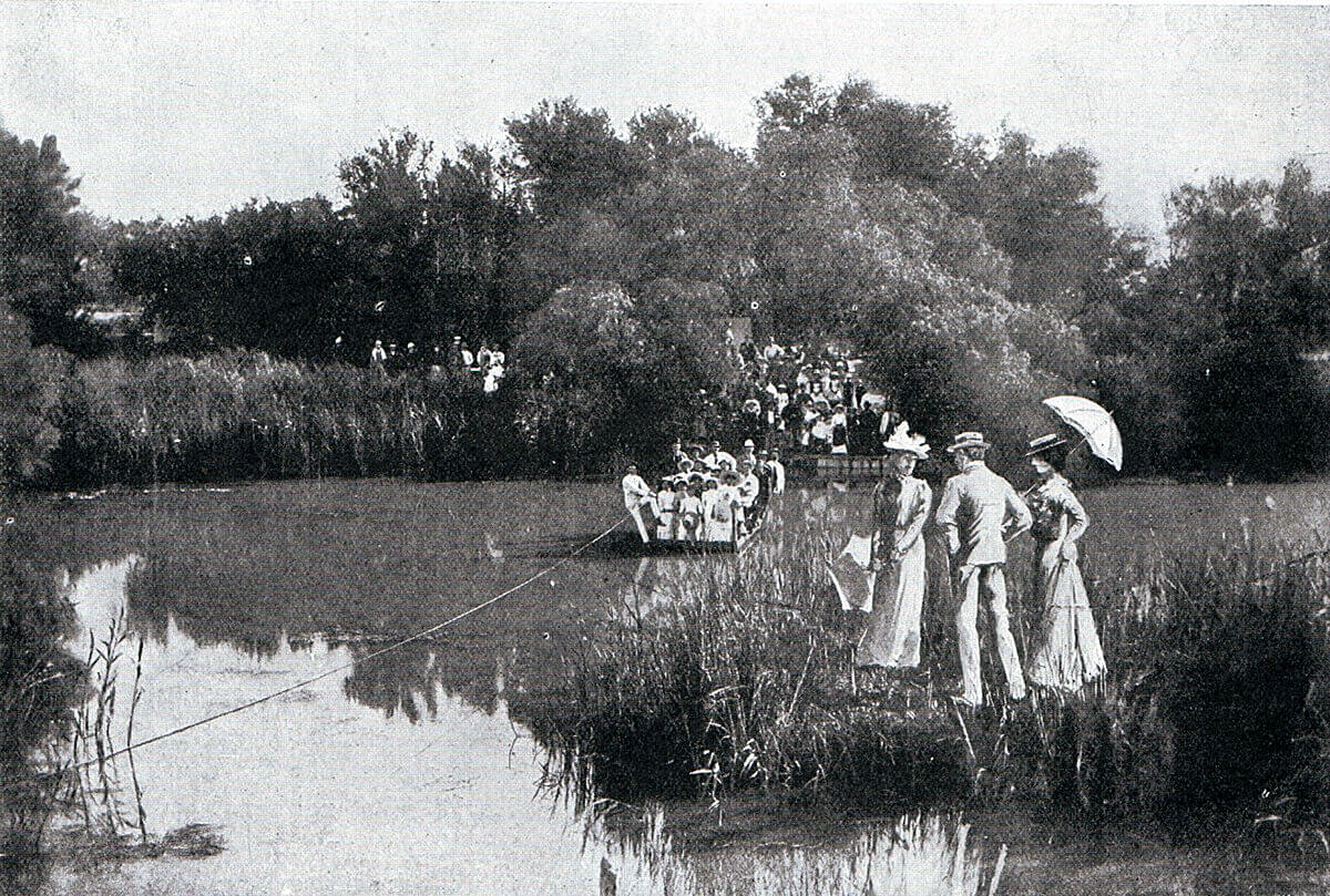 Modder River at Rosmead before the South African War, enjoyed as the 'Henley' of Kimberley: Battle of Modder River on 28th November 1899 in the Boer War