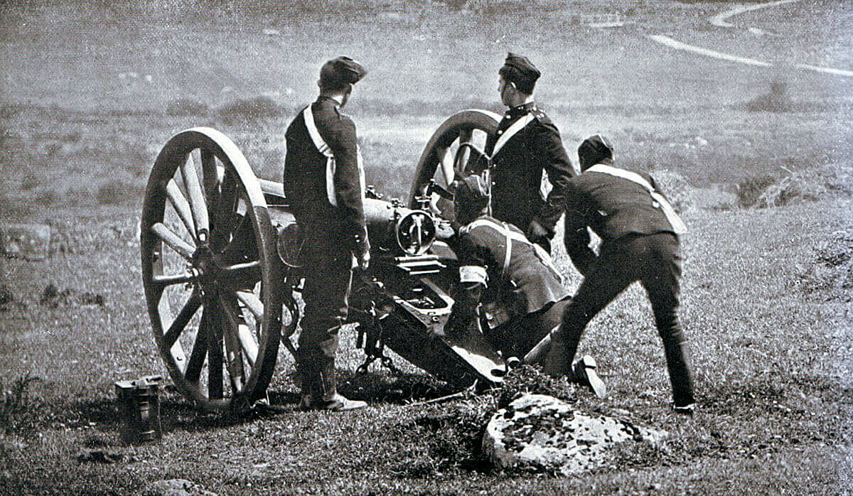 Royal Field Artillery gun crew about to fire a 15 pounder RBL field gun on exercise in Britain: Boer War 1899-1901