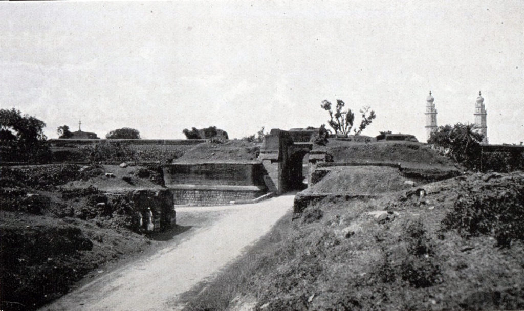 Bangalore Gate from the east: Storming of Seringapatam on 4th May 1799 in the Fourth Mysore War