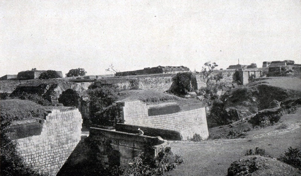 Mysore Gate in the south wall of Seringapatam fortress: Storming of Seringapatam on 4th May 1799 in the Fourth Mysore War