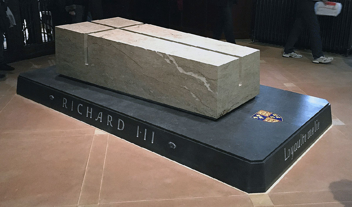 King Richard III's tomb in Leicester Cathedral: Battle of Bosworth Field on 22nd August 1485 in the Wars of the Roses