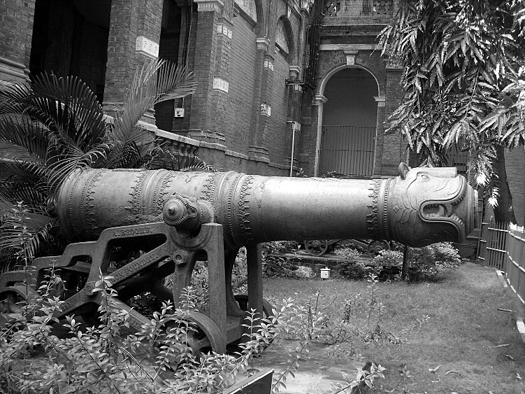 Cannon used to defend Seringapatam Fortress: Storming of Seringapatam on 4th May 1799 in the Fourth Mysore War